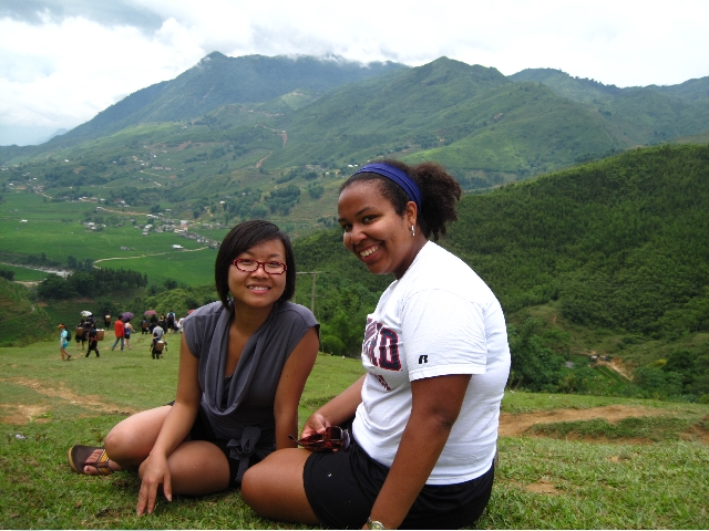2008 Fellows Kristin Mencer and Vi Nhan, who did their overseas internships in U.S. Embassy Hanoi, traveled to many locations in Vietnam.